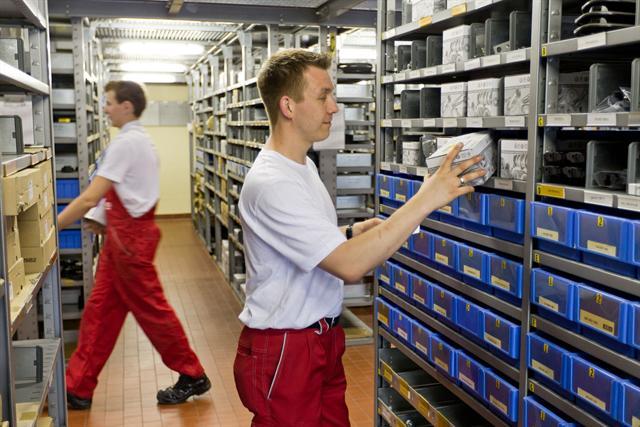 Beim Kfz-Meisterbetrieb haben die Kunden die Sicherheit, dass nur herstellerzugelassene Ersatzteile zum Einsatz kommen.