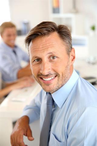 Wenn auf Geschäftsreisen ein Meeting das nächste jagt, bleibt eine magnesiumreiche Ernährung oft auf der Strecke.