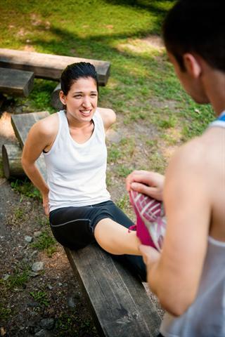 Wadenkrämpfe sind ein Anzeichen dafür, dass man sich zu viel zugemutet und die Magnesiumversorgung vernachlässigt hat.