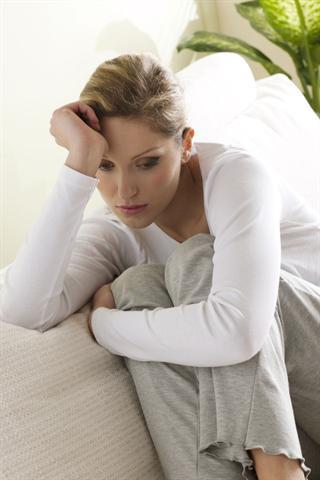 Überfordert, überlastet, grüblerisch - gegen depressive Verstimmung sollte man aktiv werden.